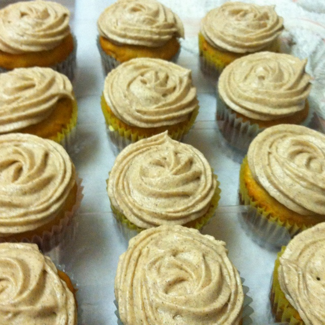 Banana nut cupcakes with brown sugar cinnamon cream cheese frosting.