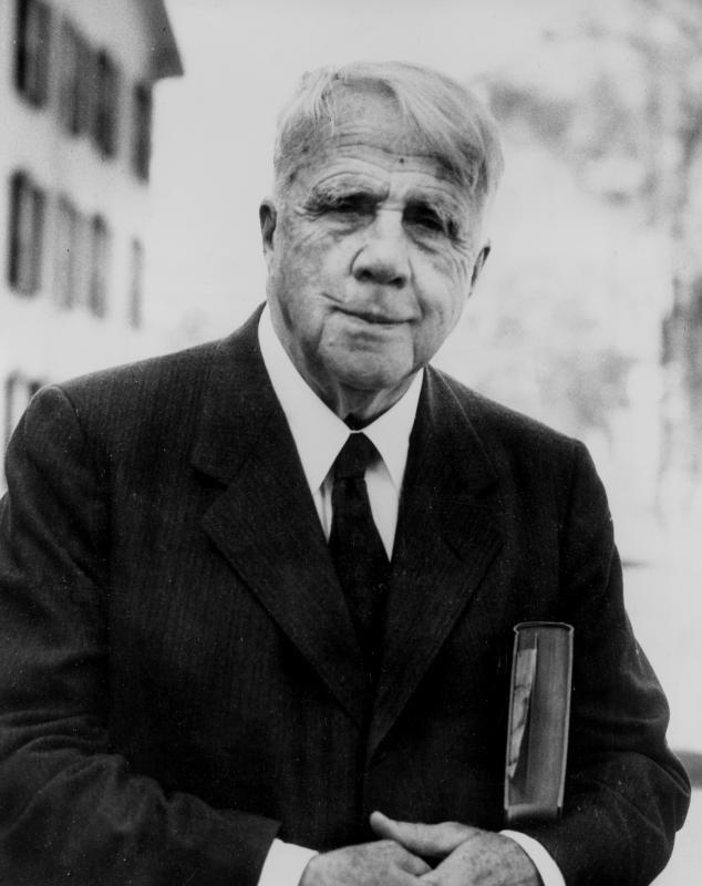 """""""Banco é o lugar onde nos emprestam um guarda-chuva quando faz bom tempo e o tomam de volta quando começa a chover.""""    Robert Frost"""