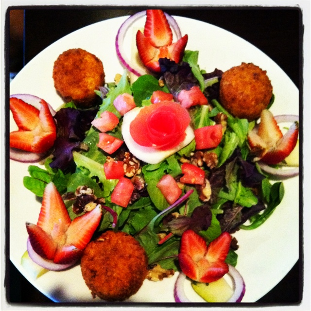 fried goat cheese salad | Food - Dinner is served! | Pinterest