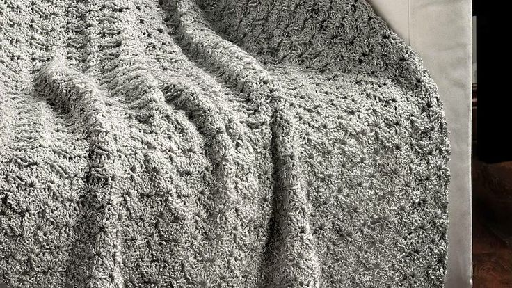 Video preview of the Autumn 2014 issue of Crochet! magazine. Order a ...