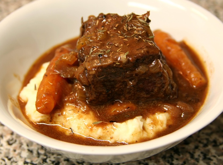 how to make beef short ribs in a slow cooker