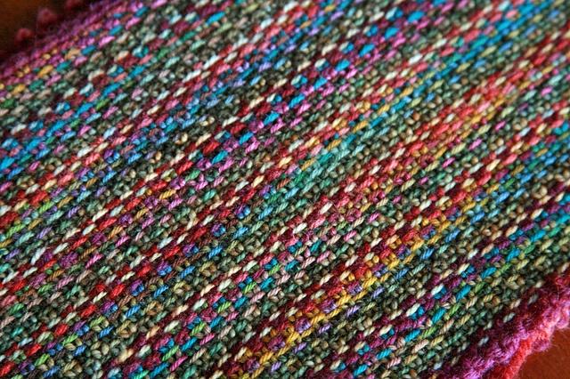 Koigu Linen Stitch Scarf pattern by Churchmouse Yarns and Teas
