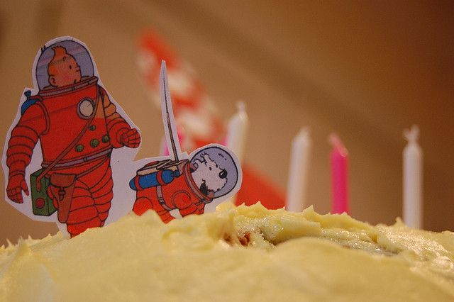 Tintin and Snowy cake by Derringdos, via Flickr • Tintin gateaux