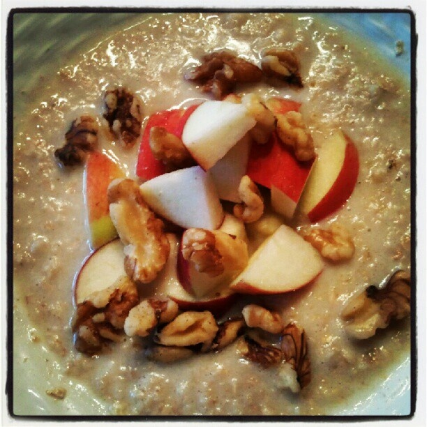 ... Of Champions ⓙ maple brown sugar oatmeal with apples & walnuts