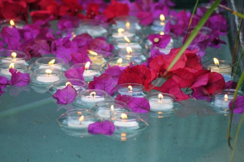 Floating Candles In The Pool Wedding Ideas Pinterest