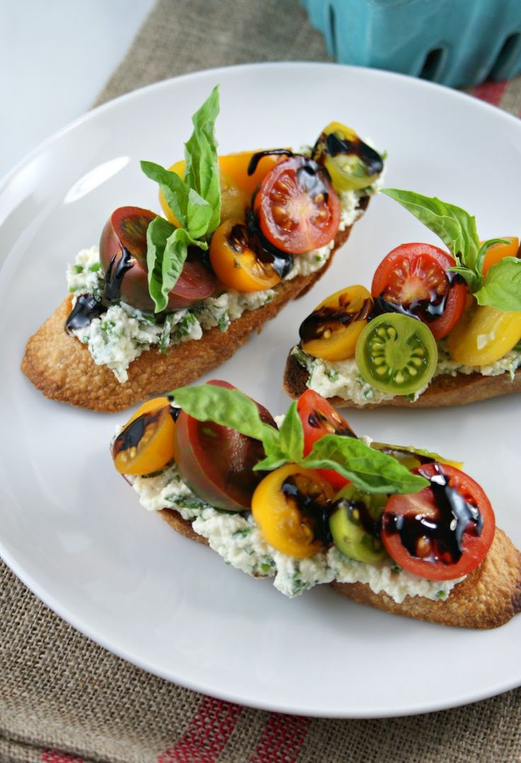 { Summer Tomato Crostini with Reduced Balsamic }