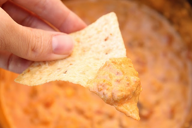Easy queso dip | Recipes- appetizers | Pinterest