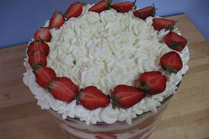 Strawberry Cream Trifle | Food | Pinterest