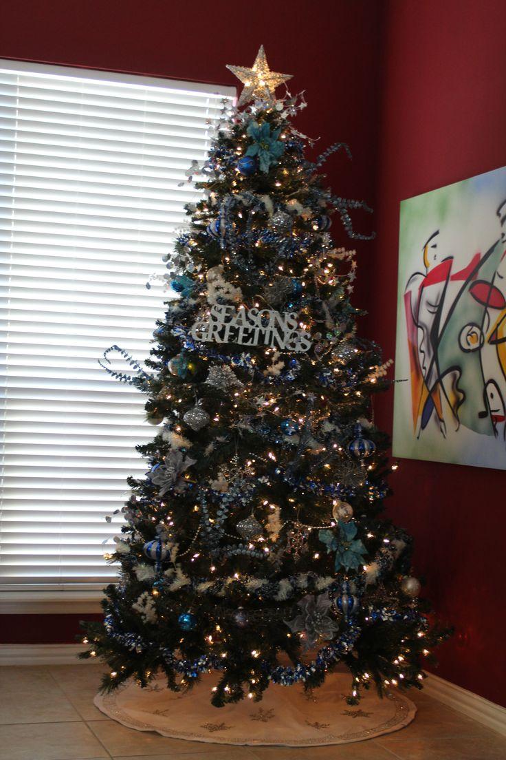 Holiday decorating o christmas tree