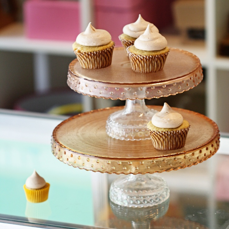 show me cakes