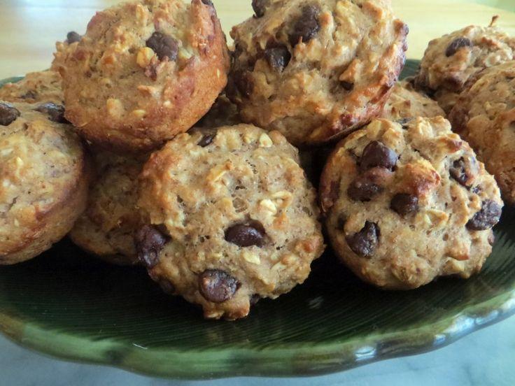 Banana oatmeal chocolate chip muffins. | Recipes {Taffeta and Tulips ...