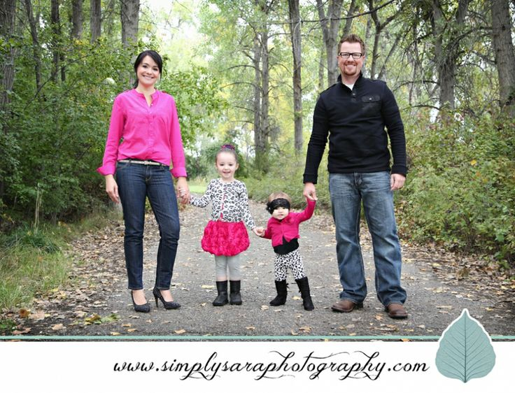 Backyard Family Portrait Ideas : Outdoor Family Photo Ideas  Outdoor Family Photos  Pinterest