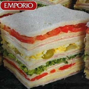 Sandwiches surtidos ....otra delicia del emporio de los sandwiches en mi país...
