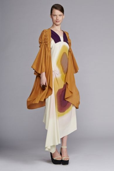 akira isogawa The kamisaka sekka exhibition at art gallery of nsw had 5 exquisite pieces of fashion by akira isogawa featured although it was not nearly enough frocks for me.