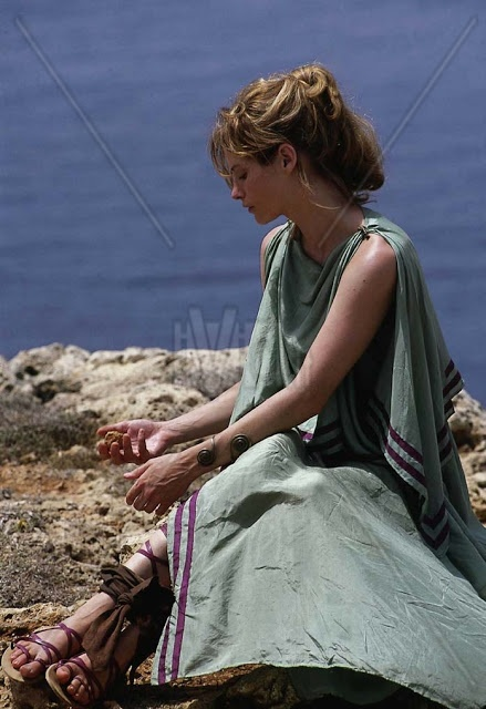 helen of troy movie analysis essay This essay troy and other 64,000+ term papers,  when comparing the movie to the stories, there are several similarities and differences  helen went away with.