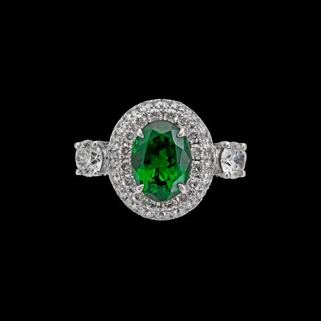 RING, tsavorit, 2.05 ct, briljantslipade diamanter, tot. 1.23 ct.  18 vitguld. Cert GRS. Signed Max Prus. St 17/53.