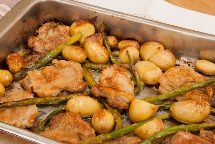 Baked lemon chicken with asparagus - Zesty, fragrant seasonal chicken ...