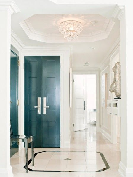 Simple elegant foyer wallpaper decorar pinterest for Simple elegant wallpaper