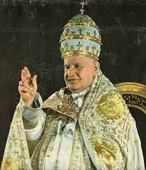 05 – Su pontificado, relativamente breve, fue sin embargo sumamente intenso.