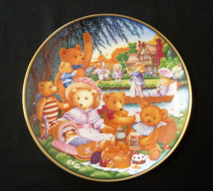 "1991 Franklin Mint ""A Teddy Bear Picnic"" Collector Plate By Artist Carol Lawson, Plate #C7084. Excellent Pre-Owned Condition! $16.99 obo (Free S&H)"