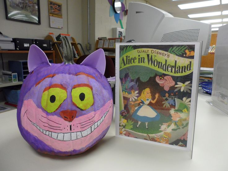 Cheshire Cat (Alice in Wonderland) - Book Character Pumpkin (Pumpkin Painting 2013)