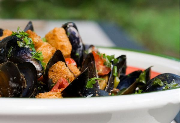 Beer Steamed Mussels with Parmesan Croutons Recipe - sounds delicious ...