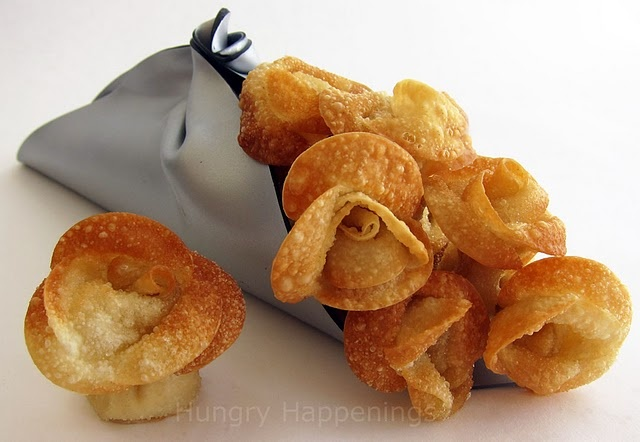 Fried Won Ton Roses with Artichoke Cream Cheese = these look so yummy!