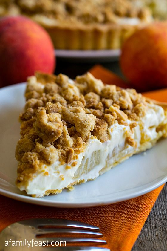 Peaches and Cream Almond Crumb Tart - Shortbread cookie crust filled ...