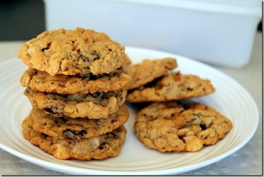 Loaded Oatmeal Peanut Butter Cookies | Cookies | Pinterest