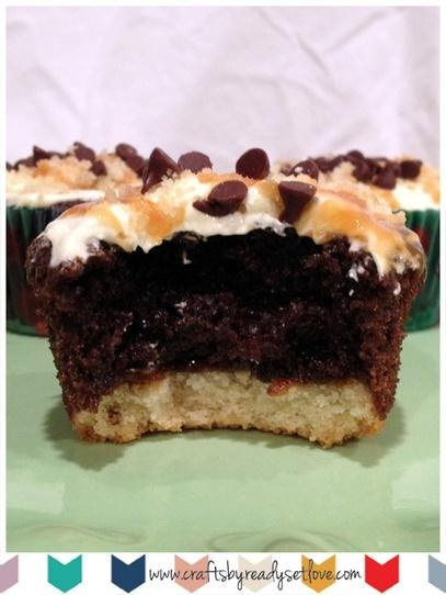 Twix Cupcakes    #cupcakes #dessert #readysetlove