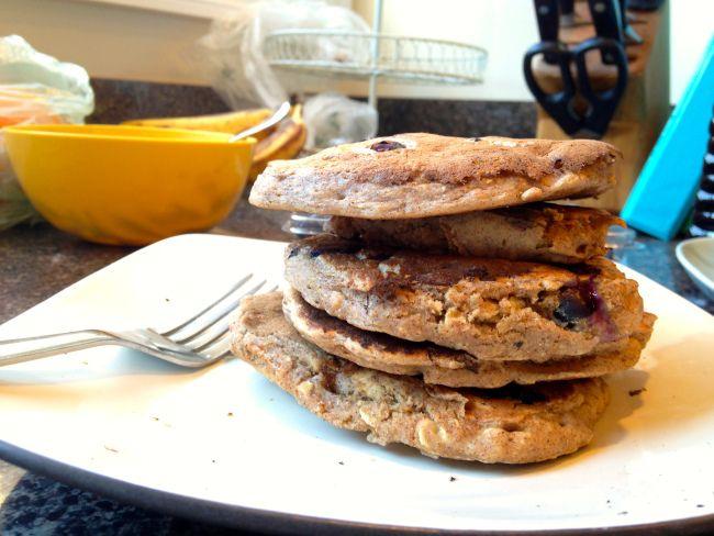 Blueberry oatmeal pancakes | Healthier Breakfast | Pinterest