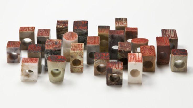Otto Kunzli - 'Shanzai' 2012 - bagues sceaux (pierre a savon)