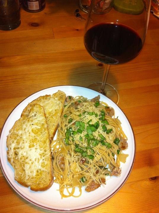 cheesy bread, pasta with caramelized onions, bacon, Italian sausage ...