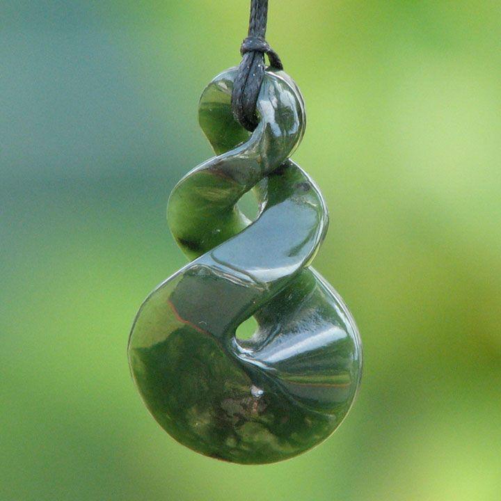 maori greenstone twist pendant black pearl