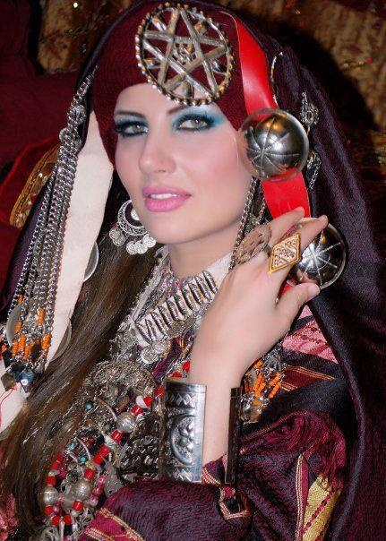 hindu single women in tripoli With free membership you can create your own profile, share photos and videos, contact and flirt with other tripoli singles, visit our live chat rooms and interest groups, use instant messaging and much more.