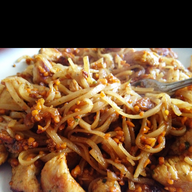 Peanut Thai noodles with chicken | Recipes to Try | Pinterest
