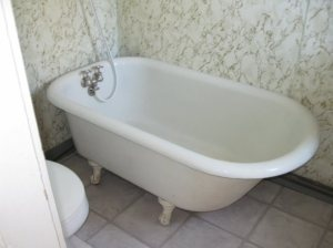 Old fashioned bathtub heart this pinterest