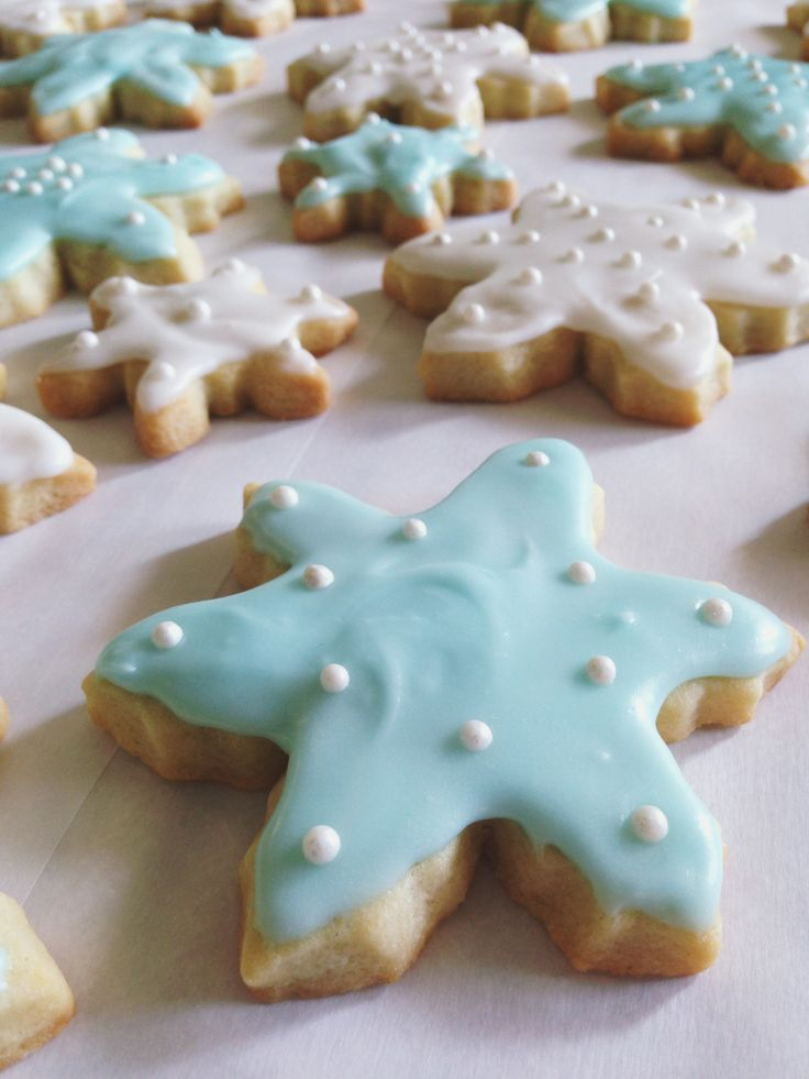 Old Fashioned Soft Sugar Cookies - icing | Yummy! | Pinterest