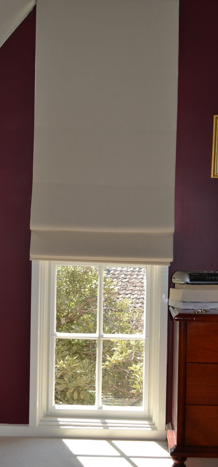 Roman blinds for small windows roman blinds pinterest for Pictures of roman shades on windows