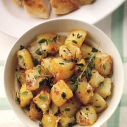 Thyme or Coriander Or Rosemary - and garlic roasted potatoes: Serves ...