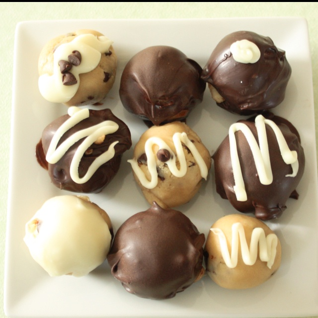 Chocolate chip cookie dough truffles.. | Food love | Pinterest