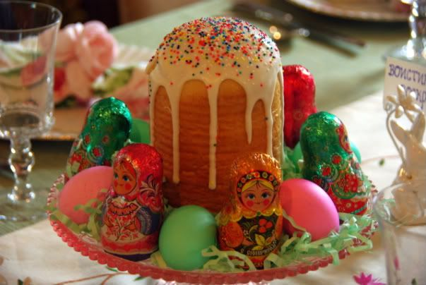 Easter table. Traditional Russian Easter Bread (Kulich or Paska ...