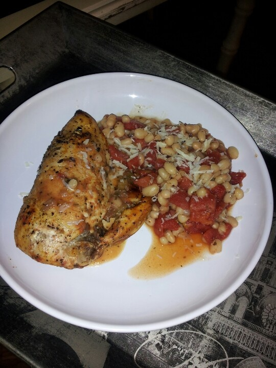 White wine baked chicken with white beans and tomatoes (1 can white ...