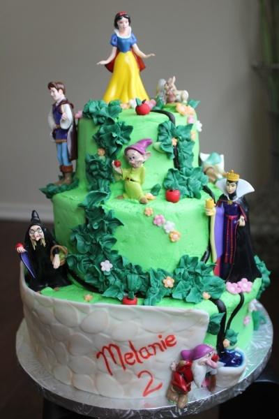Snow white cake  Follow me on pinterest!!