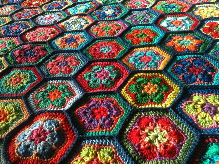 Crochet Flower Pattern Blanket : Crochet blanket - afghan flower pattern Crafts Pinterest