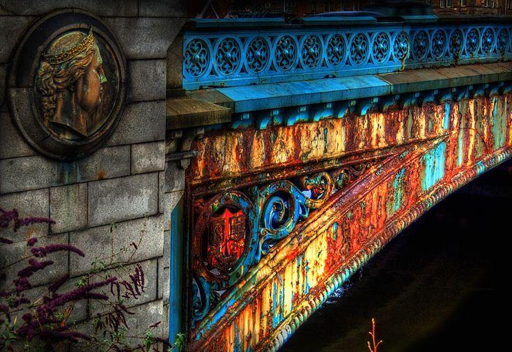 Victoria and Albert Bridge - Glasgow