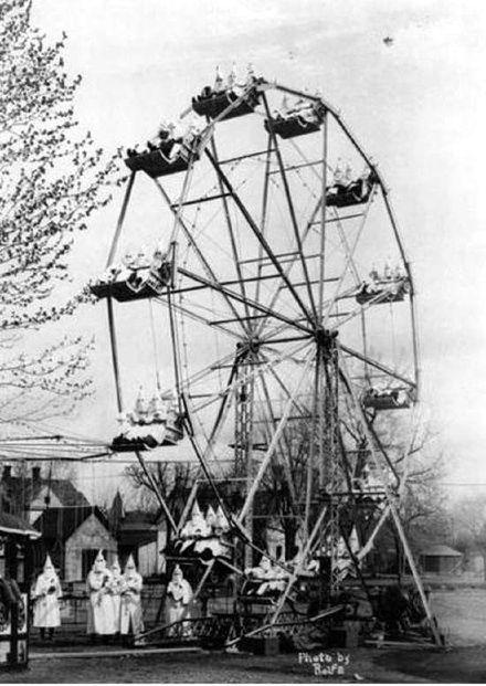 Cañon City, Colorado, Ku Klux Klan members on a Ferris wheel, April 26, 1926
