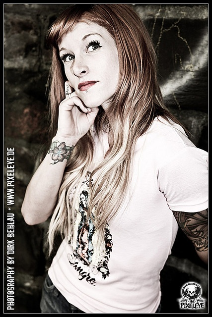 Sarah blackwood wrist tattoo placement the pictures in for Black wood tattoo