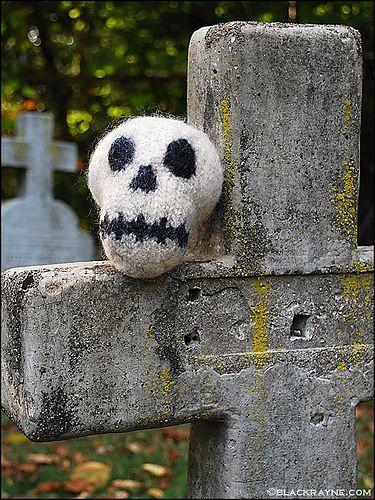 Love!  This is one cute skeleton!