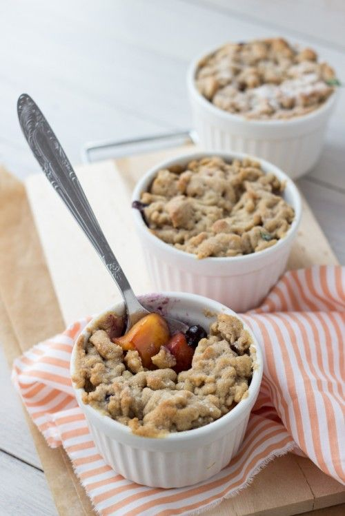 peach and blueberry crumble3-1